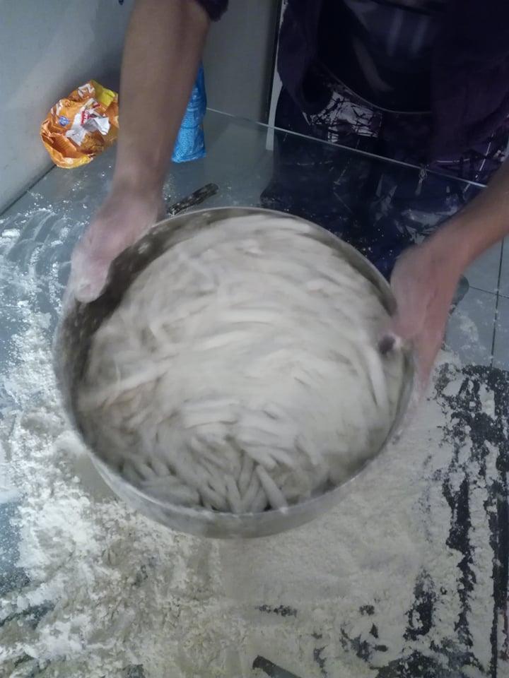 Η συνταγή της ημέρας:Οι παραδοσιακές Μενιδιάτικες ντόντιλιες της γιαγιάς Ελένης!