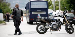 Μπλόκα και έλεγχοι της αστυνομίας στο Μενίδι