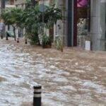Ποτάμια οι δρόμοι στις Αχαρνές – Διακοπές ρεύματος σε πολλές περιοχές